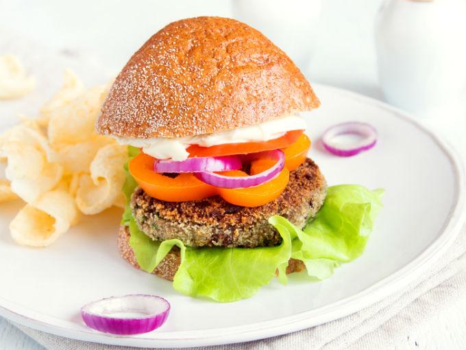La receta perfecta para hacer una hamburguesa vegetariana - Hacer hamburguesas vegetarianas ...