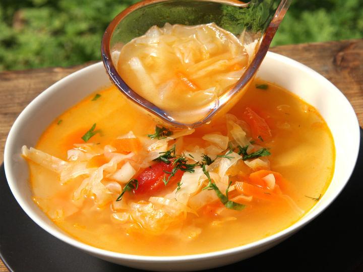 Baja de peso en solo 7 días comiendo sopa de col diario
