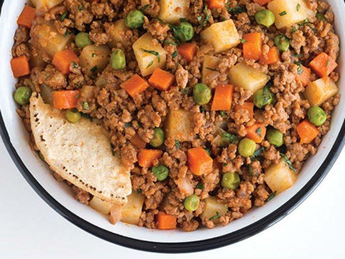 Ch charos papas y zanahorias para un picadillo tradicional for Platos caseros faciles
