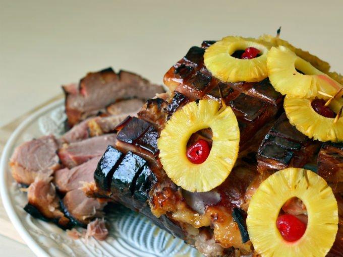 Pierna de cerdo adobada, platillo típico de Navidad