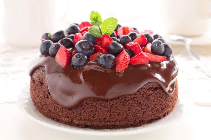 Esponjoso pastel de chocolate sin azúcar