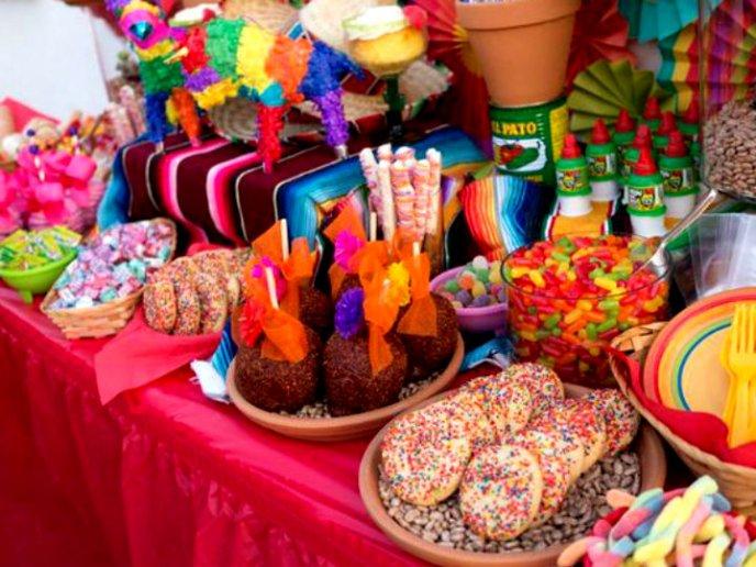 Decoracion de mesa de dulces mexicanos cocinadelirante for Como decorar mesa de postres para baby shower
