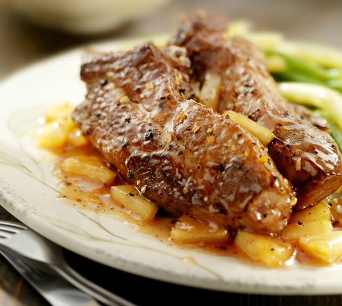Prepara unas deliciosas chuletas de cerdo a la hawaiana con chipotle
