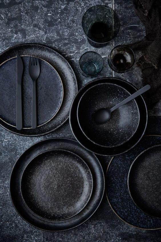 10 utensilios de cocina tan negros como tu alma for Utensilios de cocina batidora