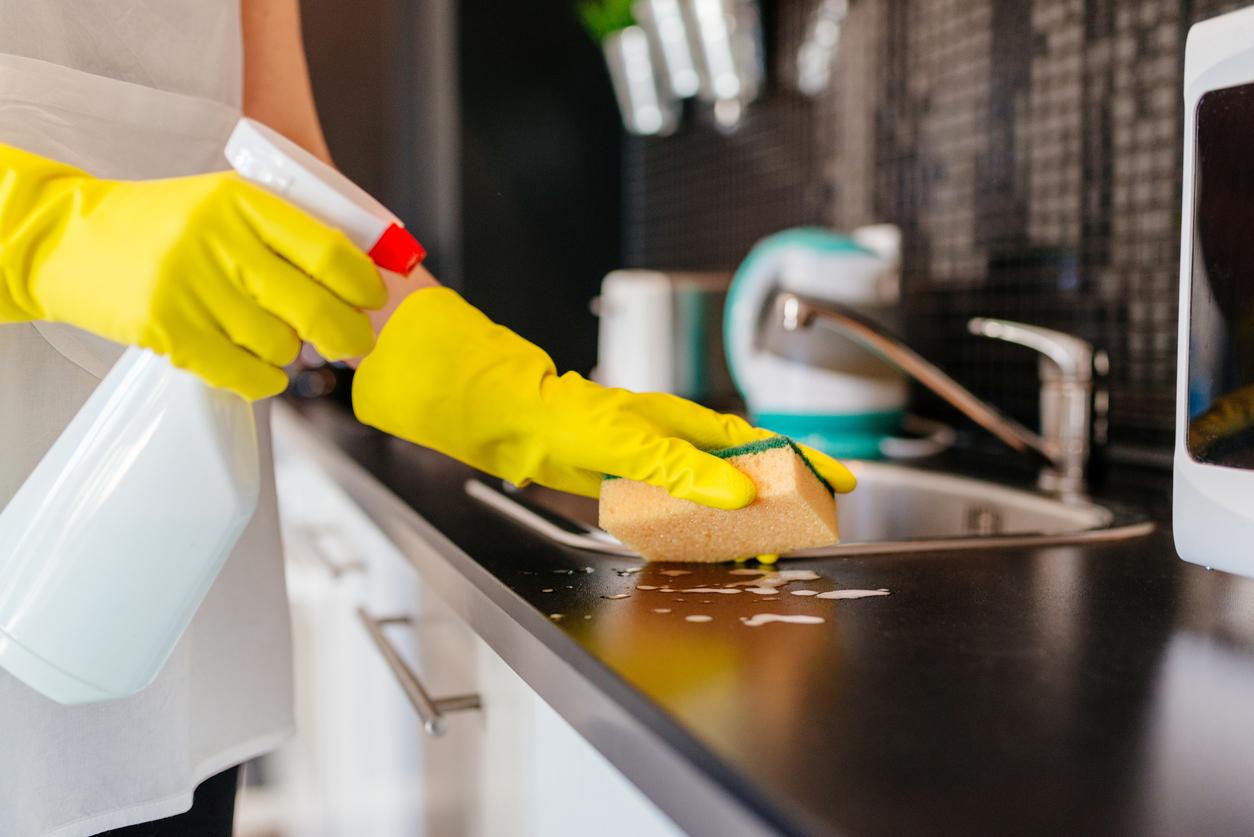 Trucos para limpiar la cocina a fondo - Trucos para limpiar azulejos de cocina ...