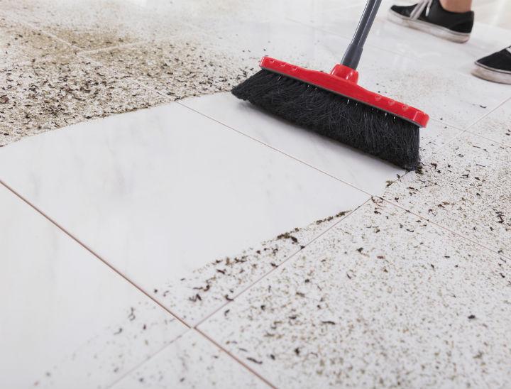 Como quitar el polvo del piso - Como quitar rayones del piso vinilico ...