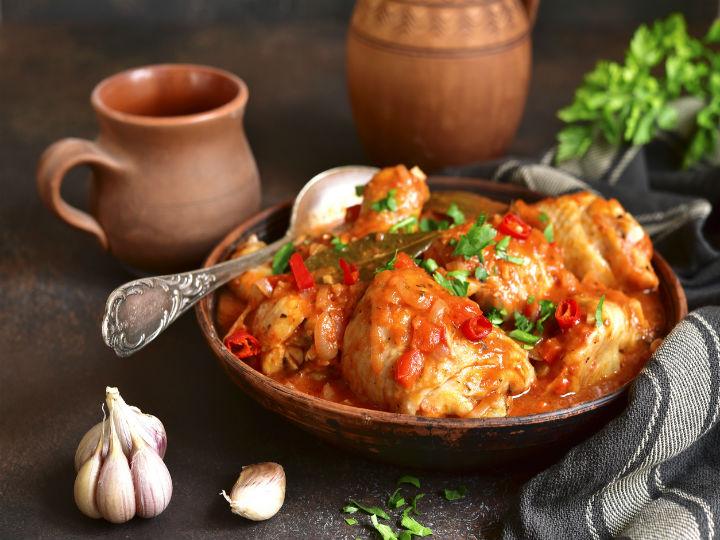 Deliciosas Pechugas De Pollo En Salsa De Pimientos Asados Receta Fácil