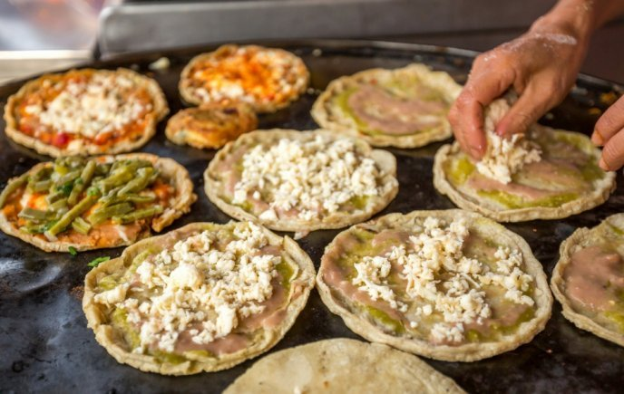 Comida Mexicana Al Comal Memelas Oaxaquenas Tradicionales