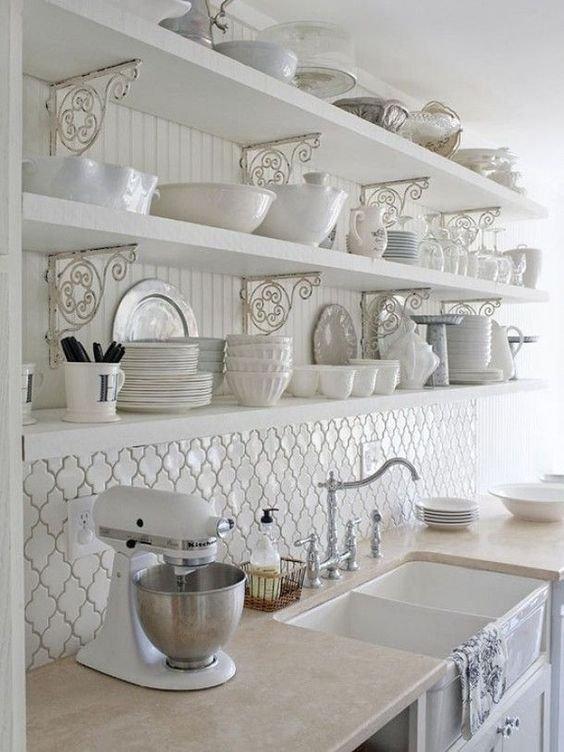 formas creativas para decorar la cocina con repisas