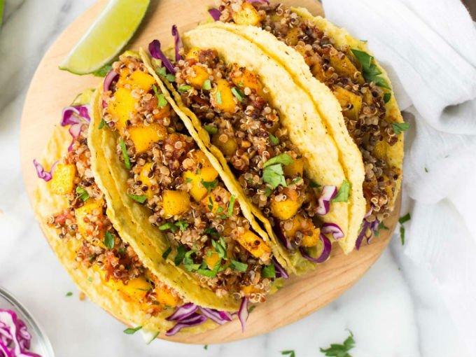 Tacos de mango con quinoa