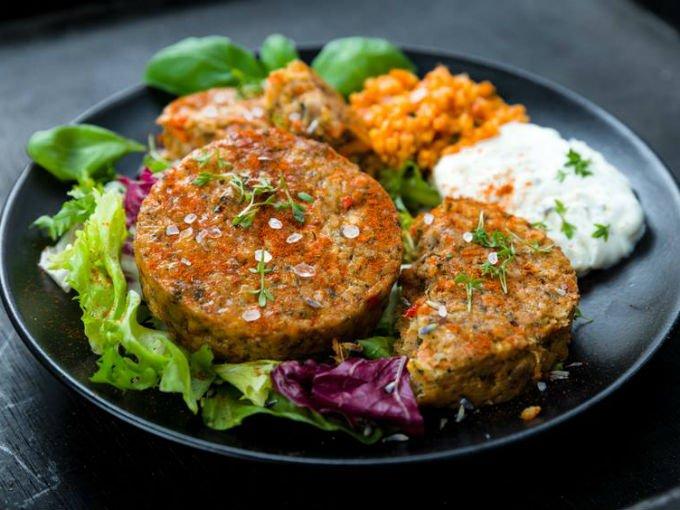 7 almuerzos deliciosos para ser la envidia en la oficina for Cocinar quinoa con pollo