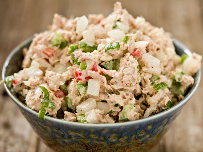 ¡Esta ensalada de atún es saludable y deliciosa!