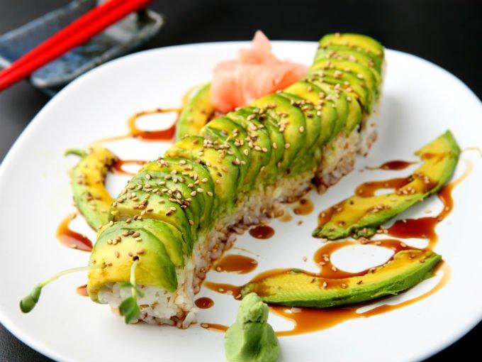 Sushi con aguacate