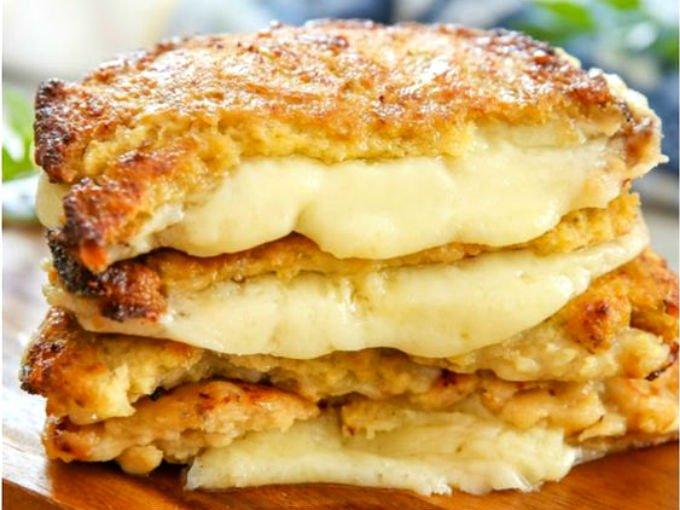 Saborea este sándwich de coliflor con queso en el desayuno