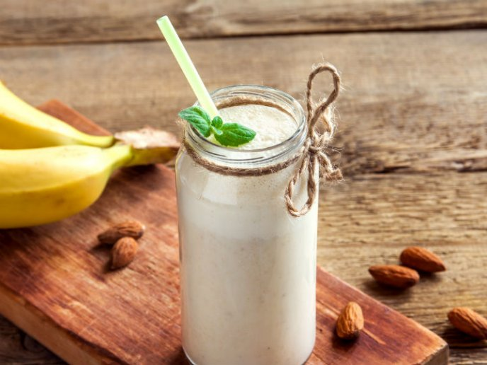 El smoothie que te hará disfrutar del verano es de plátano