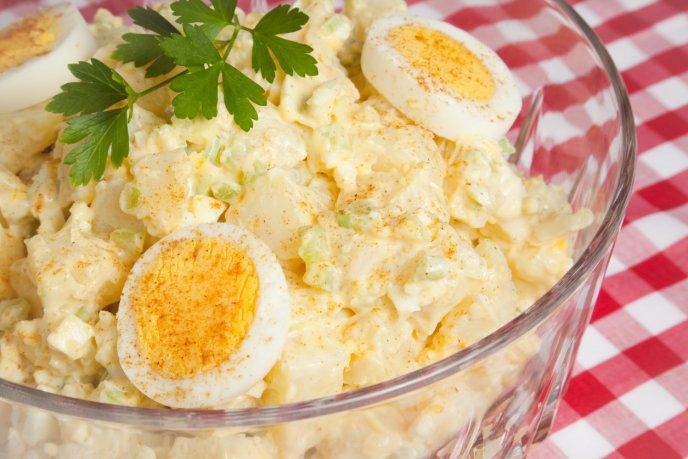 Prepara la mejor ensalada de papa con huevo