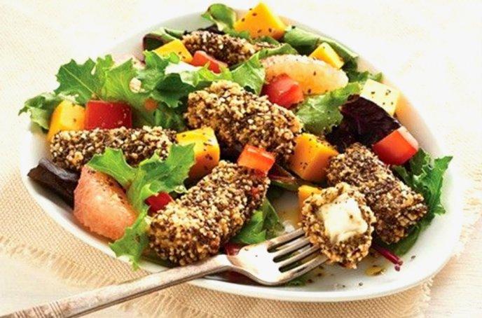 Cuida tu figura con este pescado empanizado con chía y hierbas italianas, ¡al horno! (receta saludable)