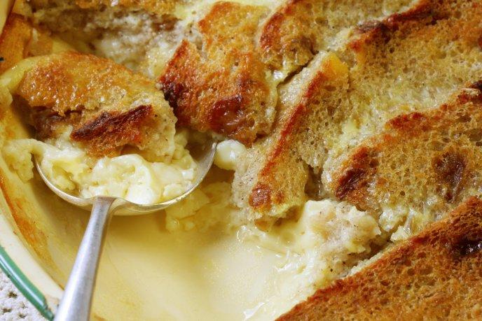 Prueba esta deliciosa y sencilla receta de capirotada con plátano macho