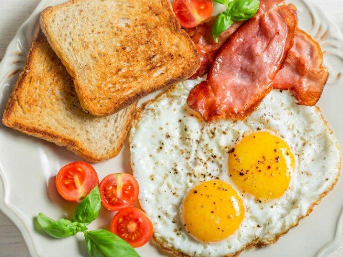 Desayunar ayuda a bajar de peso