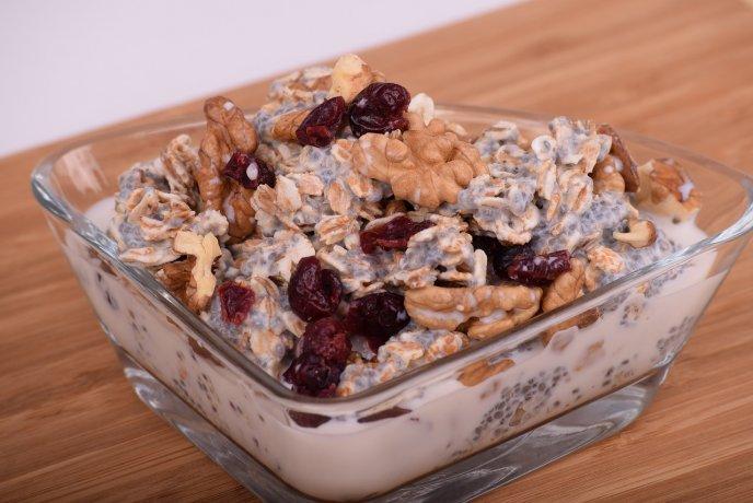 recetas-de-bowls-de-avena-diferentes-con-fruta-semillas