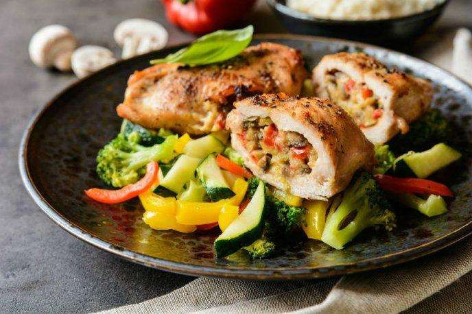 Prepara Un Pollo Doradito Relleno De Alambre Receta Deliciosa