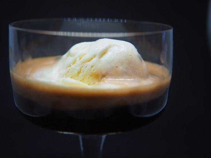 receta cafe con helado vainilla affogato