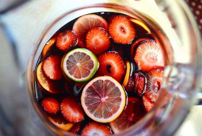 receta de bebida ponche de frutos rojos
