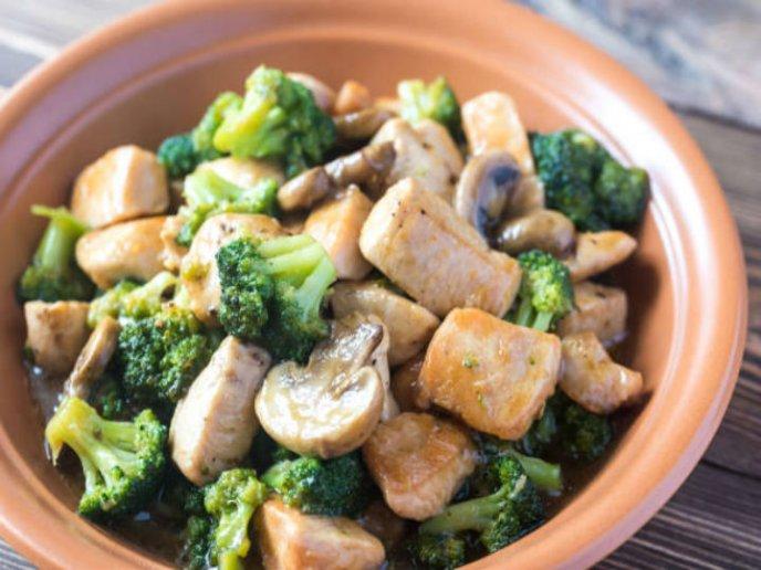 receta pollo oriental con verduras y soya saludable