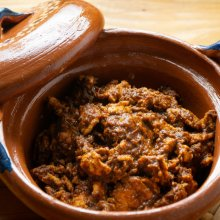 Peligros y beneficios de cocinar en ollas de barro